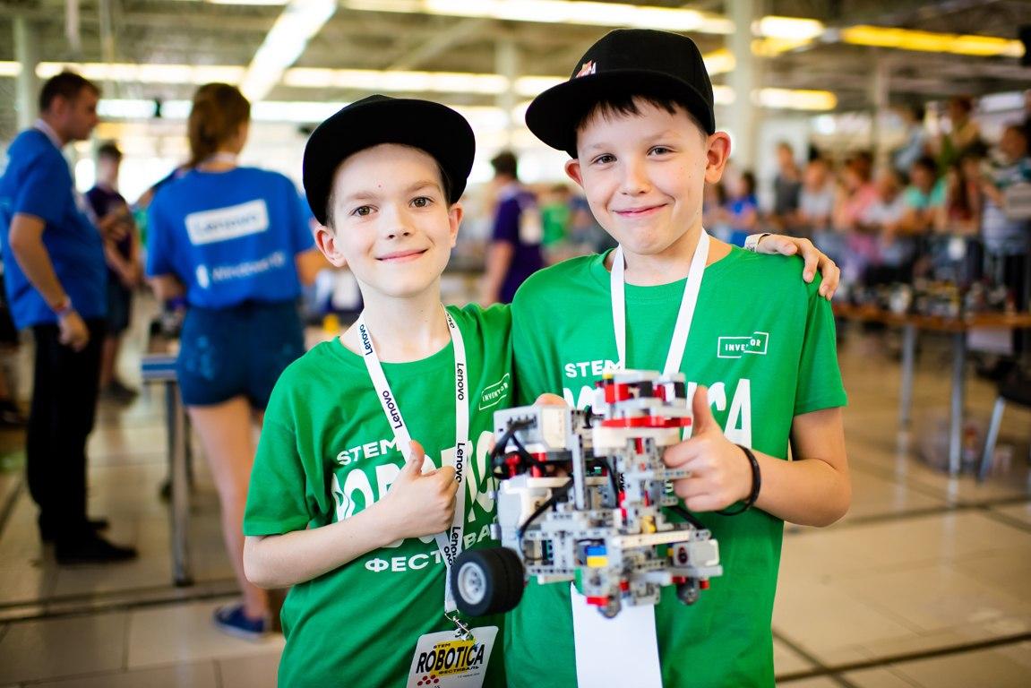 Фото сімейного STEM-фестивалю